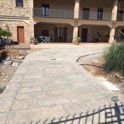Erreci-Castellini-recinzione-entrata-sassi06